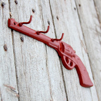 Revolver Key Hooks Pistol Barn Red Man Cave Decor Cast Iron Wild West Revolver Old Gun Three Hook Rustic Cabin Decor