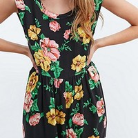 Somedays Lovin' Seeker Floral Playsuit in Black - Urban Outfitters