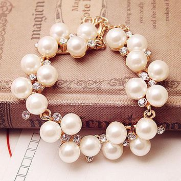 Charm Simulated Pearl Bracelets Hand Chain Rhinestone Crystal Bead Bracelet & Bangles For Women Party Jewelry Gifts Shellhard