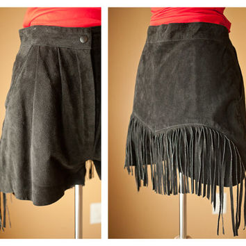 80s 90s Fringed BLACK Suede Shorts // Hot Pants Leather High Waist Pleated Southwestern