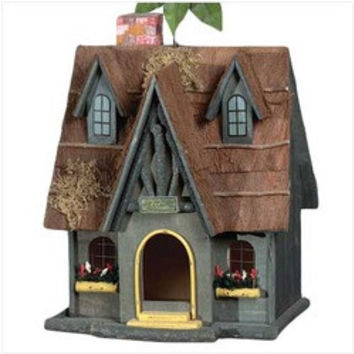Thatch Roof Chimney Birdhouse (pack of 1 EA)