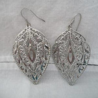 Filigree Leaf Wire Hook Earrings Cutout Silver Tone Costume Jewelry Nature