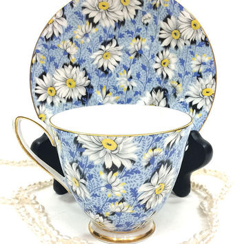 Shelley Tea Cup and Saucer, Blue Daisy Chintz, York Shape, Gilded Rims, English Bone China, 1940s, Vintage Tea Cup