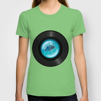 Fish Pop (Vinyl Aquarium) T-shirt by Texnotropio