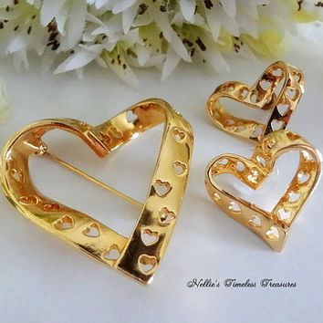 Vintage Avon True Hearts Gold Pin Earrings Set Avon Jewelry Avon Earrings Avon Brooch Signed Vintage Jewelry Avon Heart Pin Heart Earrings