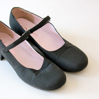 Vintage 80s Black Fabric Mary Janes // Nina Kids