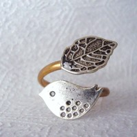 Silver Bird Ring With A Leaf Open W.. on Luulla