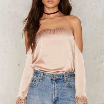Drag Lace Off-the-Shoulder Blouse