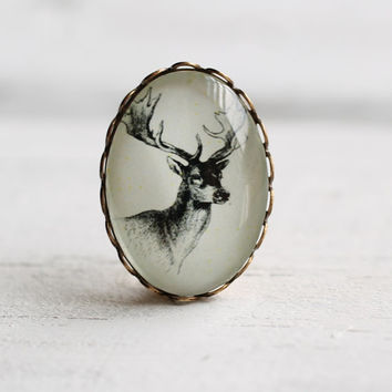 Stag Head Brooch ... Miniature Vintage Deer Heritage Pin