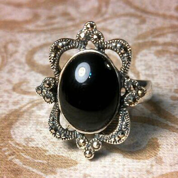 Marcasite and Onyx fancy silver 925 ring. Size 5.5.