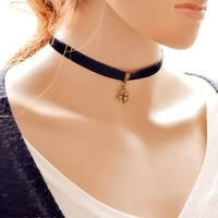 Forever21 choker New Arrival Jewelry Faux Suede Shiny Gift Stylish Pendant Black Lace Clover Necklace [7786551303]