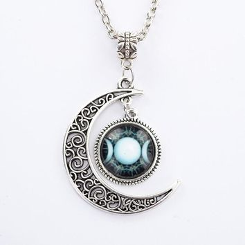 Women's Necklace - Triple Moon Goddess