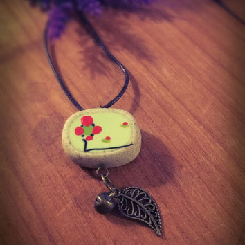 Boho clay necklace,red flower ceramic necklace,unique jewelry,bronze,Natural vegan jewelry,porcelain pendant,hand painted,handmade,hippie