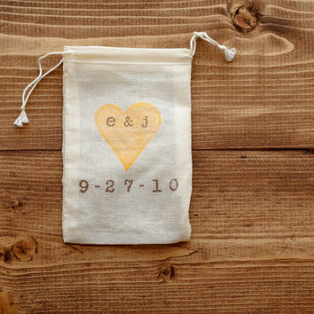 Personalized Wedding Favor Bags, Fall, Autumn, Custom Initials Date, Rustic Wedding, Cotton Muslin Gift Bag, Party Favors, Set of 10
