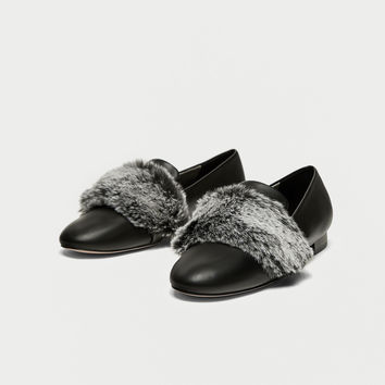SLIPPERS WITH FAUX FUR DETAIL DETAILS