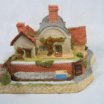 the LOCK KEEPERS COTTAGE by David Winter New! Mib! coa! Midlands Collection