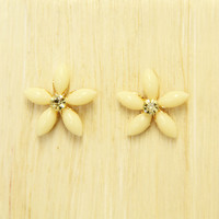 Ivory Blossom Earrings