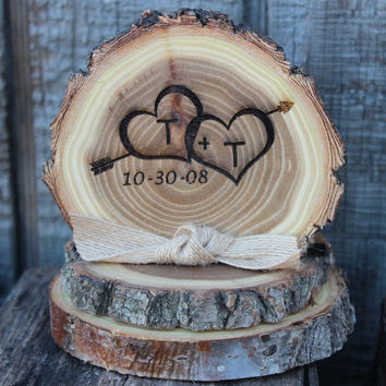 Wedding cake topper,  rustic wedding cake top,  personalized wedding cake top,  cake top,  tree slice cake topper,  Bride and Groom
