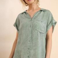 Mineral Washed Button Up Short Sleeve Top with Frayed Hemline