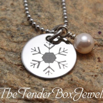 Free Shipping snowflake necklace pendant with pearl