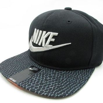 LMFON DS NIKE ATMOS ADJUSTABLE SNAKE SKIN BLACK BASEBALL CAP HAT AIR MAX ANIMAL