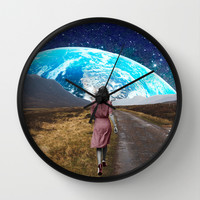 Walking Wall Clock by Cs025
