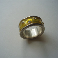vintage silver yellow enamel and crystal ring