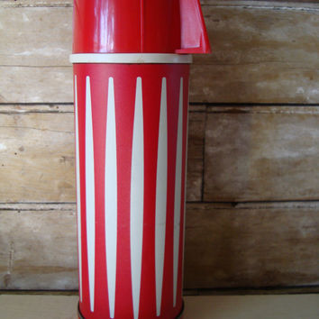 Vintage Universal Thermos Red and White Hartford Conn Rare Find