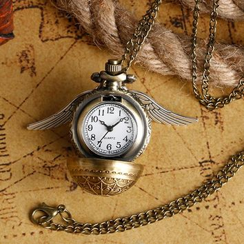 Pocket Watch Pendant Quartz Pocket Clock Harry Potter Theme Hogwarts Necklace Chain Clock Exquisite Pocket Watches Birthday Gift