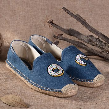 Soludos Women Platform Doughnut Embroidery Slipper