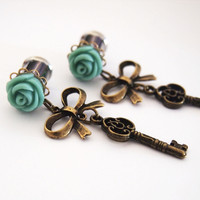 Glamsquared — Brass Skeleton Key Plugs