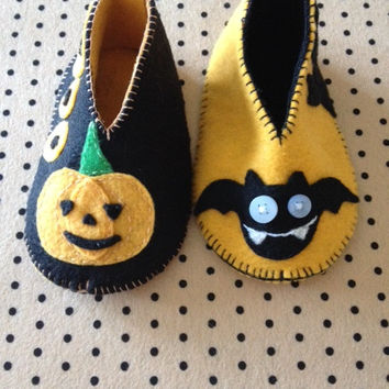 Handmade Halloween Felt Baby Shoes / Baby Booties