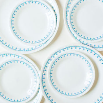 Corelle Blue Snowflake Dinnerware Set, 8 Piece Corelle Ware Dinner Plates Dessert Plates, Corning Dining Set Blue Rim, Made in USA