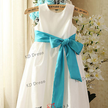 20% OFF!!! Ivory Taffeta Decorative Duttons Flower Girl Dress Toddler Birthday Party Dress with Ice Blue Sash/Flower (Z1028)