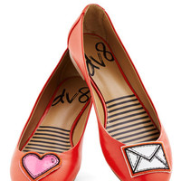 Dolce Vita Quirky Icon Do Anything Flat in Heart