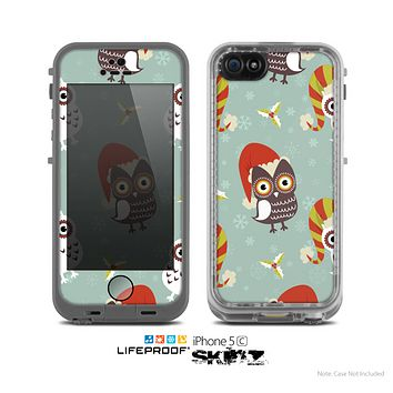 The Abstract Vintage Christmas Owls Skin for the Apple iPhone 5c LifeProof Case