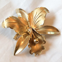Embossed Gold Tone Flower Brooch Dimensional  Vintage Jewelry