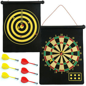 Magnetic Roll-up Dart Board and Bullseye Game w- Darts