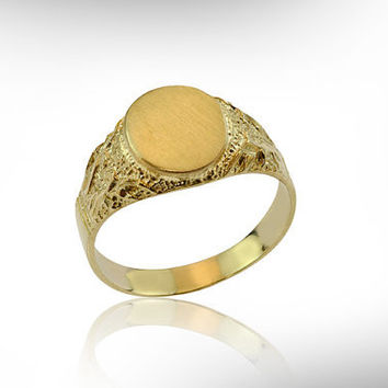 Timeless Vintage inspired 14K Yellow Gold Wedding band