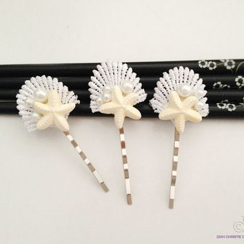 White Beach Wedding Hair Accessory, Summer Wedding, Starfish Bobby Pins, Lace Seashell Hair Accessory, Bridal Headpiece