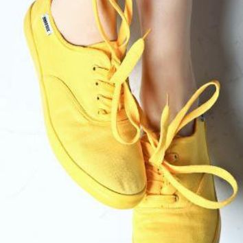 Women's Canvas Single Tennis Shoes (Yellow) | Rubber Duck | 80's Purple