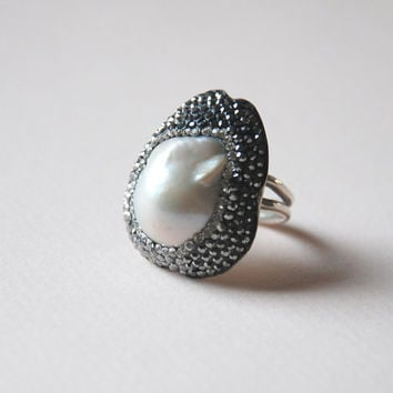 Pearl Gemstone Sparkly Swarovski Crystal Stone Sterling Silver Adjustable Ring