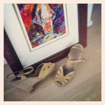 vintage beige wedge sandal (Small/Indie Brands)