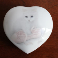 Porcelain White Cat Heart Trinket Jewelry Box w/ Pink Ballet Slipper Shoe, Vintage Otagiri Made in Japan