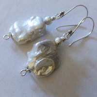 MEDIUM size Baroque pearl and 925 sterling earrings/Flat Freshwater pearl/Baroque Pearl earring/925 silver sterling, pearl, Brass earrings