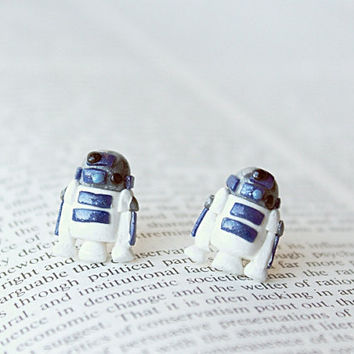 R2D2 Droid Star Wars Earrings by CouldBeeYours on Etsy