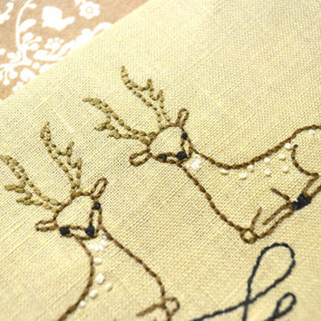 Deer hand embroidery pattern wild animal art by NaiveNeedle