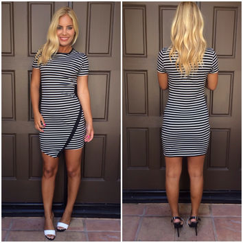 Stripe A Pose Cross Over Dress - BLACK & WHITE
