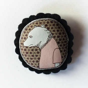 Bear color handcrafted and illustrated brooch felt by depeapa