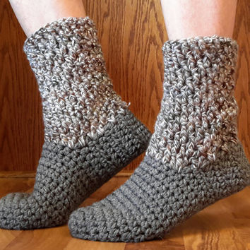 Crochet waffle slipper. ladies size 5-7. Made by Bead Gs on etsy. grays and tans
